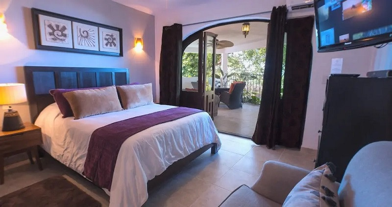 Casa-Cúpula-Luxury-LGBT-Boutique-Hotel-1