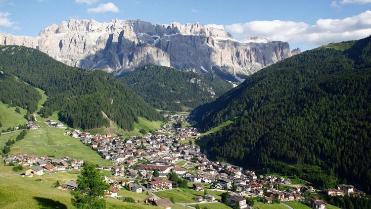 Pink-Alpine-Genussvolles-Wandern-im-Val-Gardena-Südtirol
