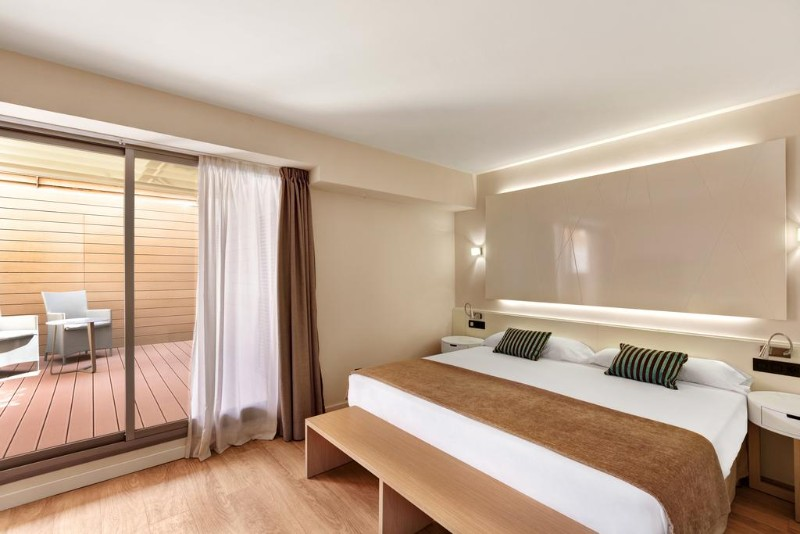 THB-Los-Molinos-Adults-Only-3