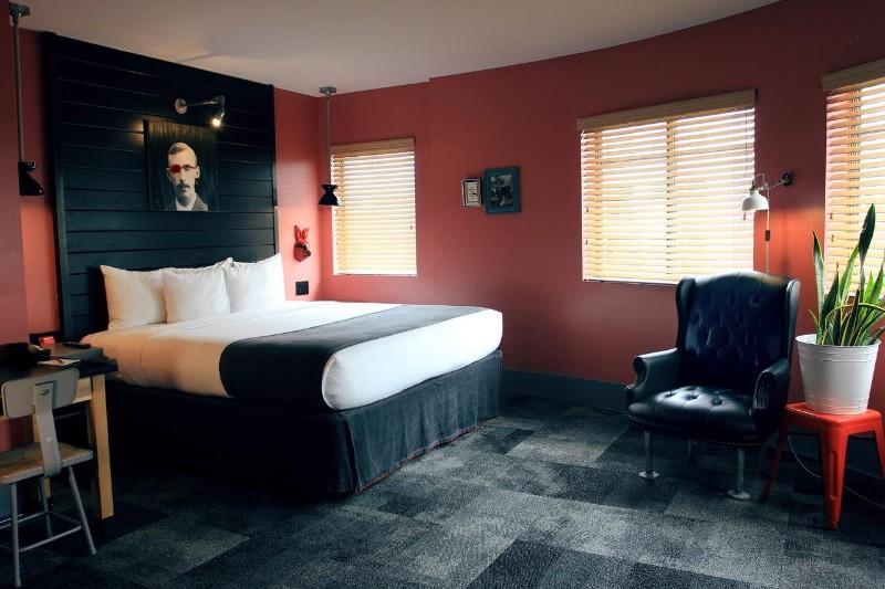 Hotel-Gaythering-1